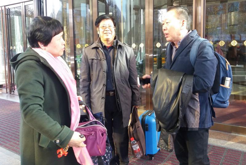 参加民盟十二大的山东代表团今天从济南出发