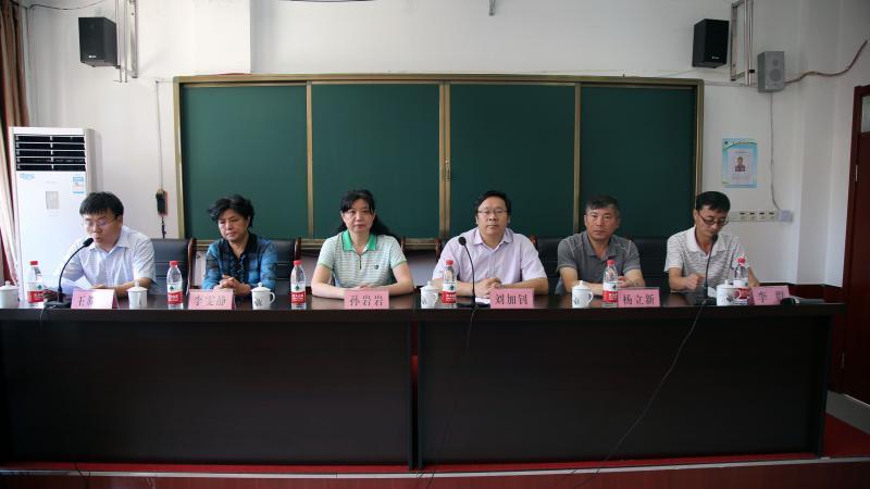 民盟山东省委机关工作人员赴德州宁津看望受助学生